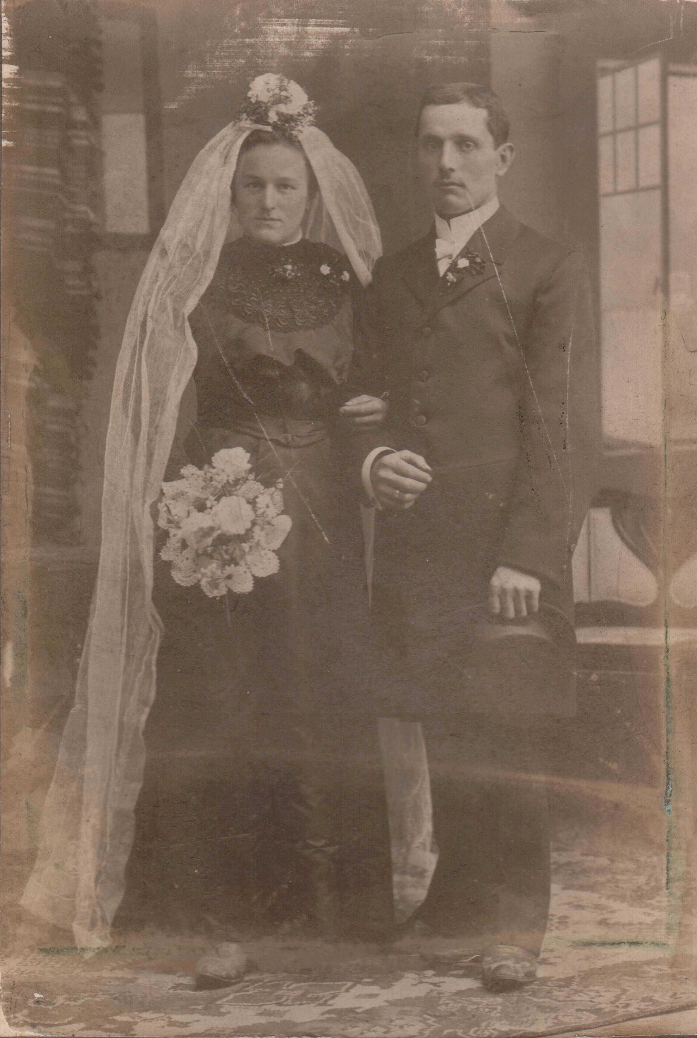 1912-Hochzeitsbild-Josef-Diesch-Luise-Glaesle